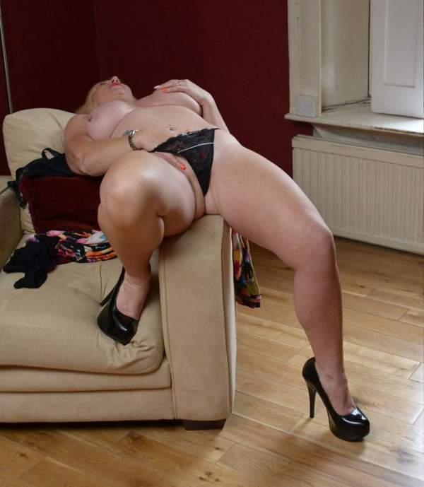 Donna cougar per incontri di sesso a Catanzaro foto due